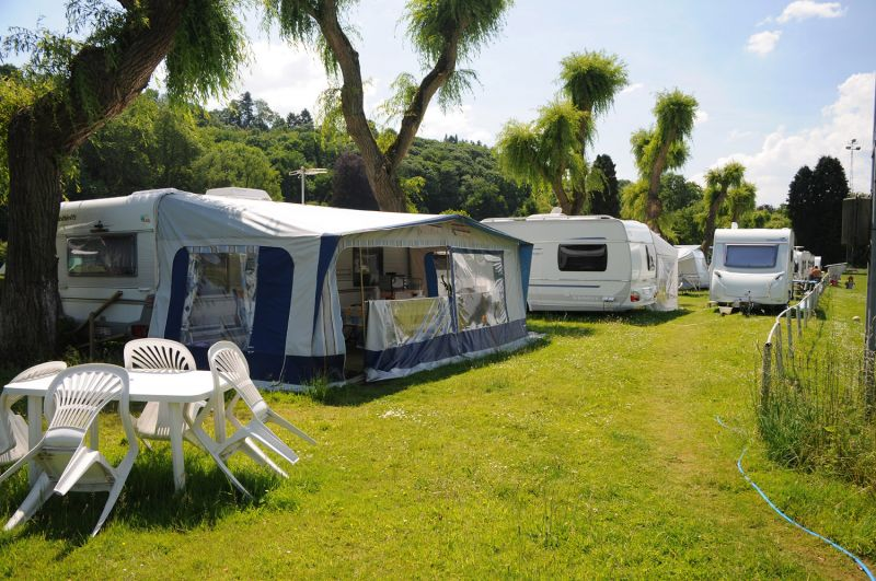 Camping li ge belgique camping de sainval li ge for Camping belgique avec piscine